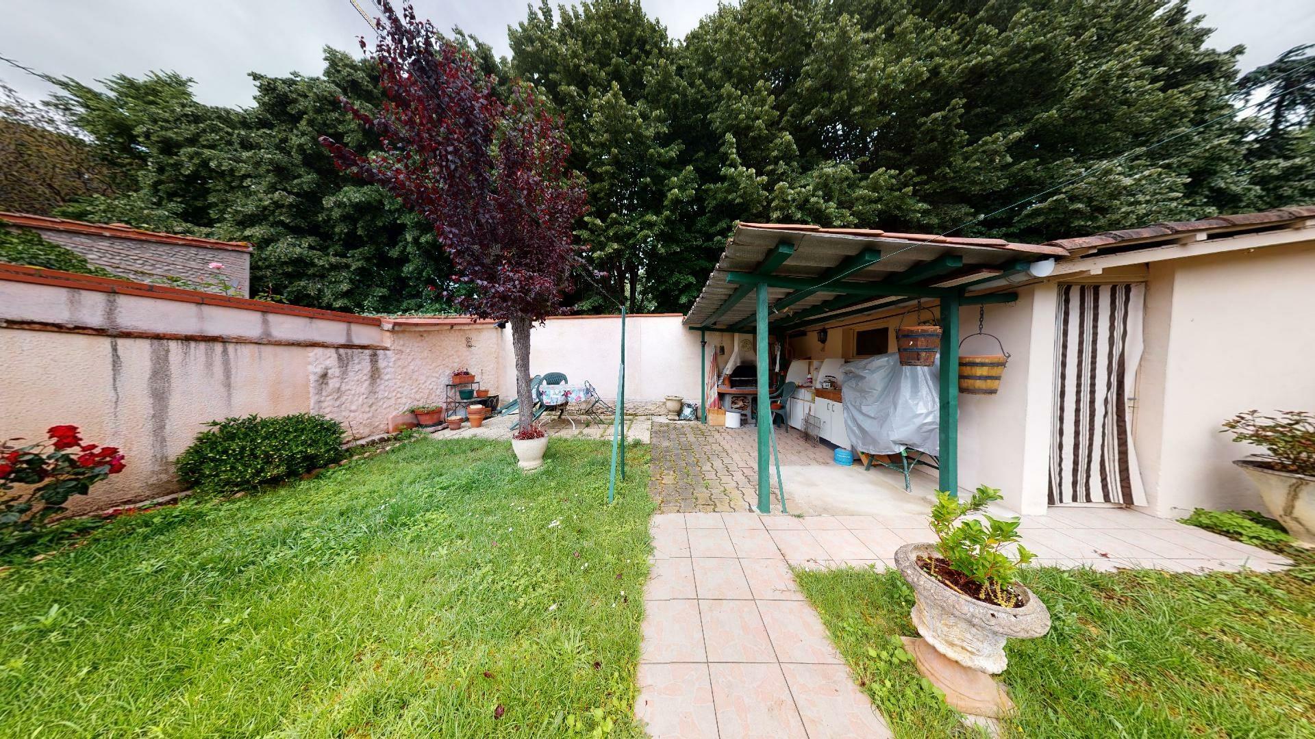 Toulousaine-Fiere-de-le-rester-urbanhouse360