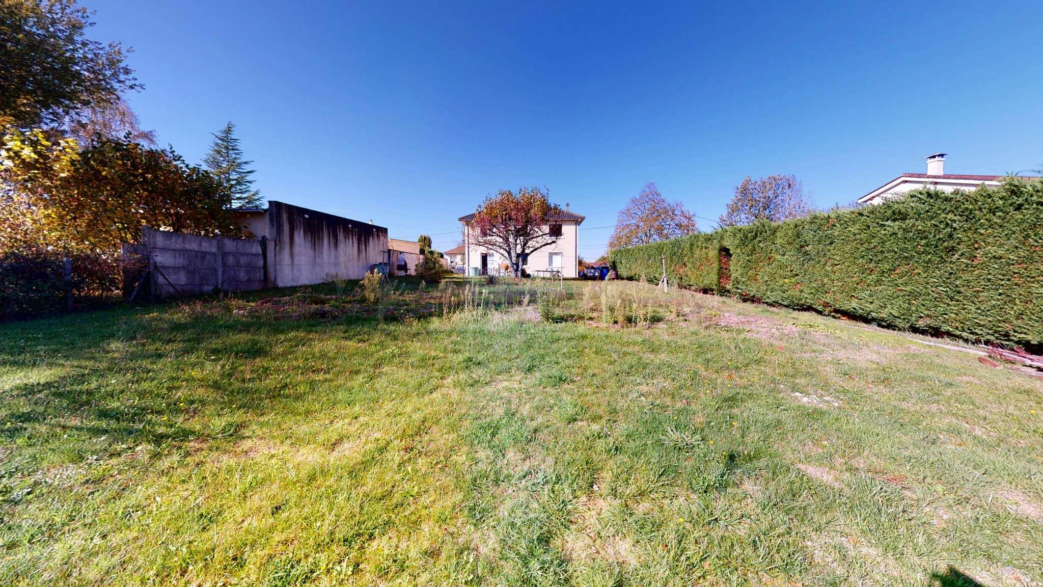 Les-3-Terres-En-Périgord-UrbanHouse360_terre-maison